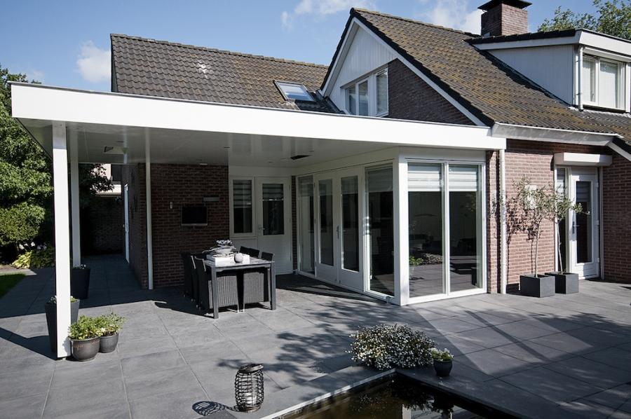 Aanbouw Open Keuken : Aanbouw met terrasdeuren en overkapping wispels bouwservice